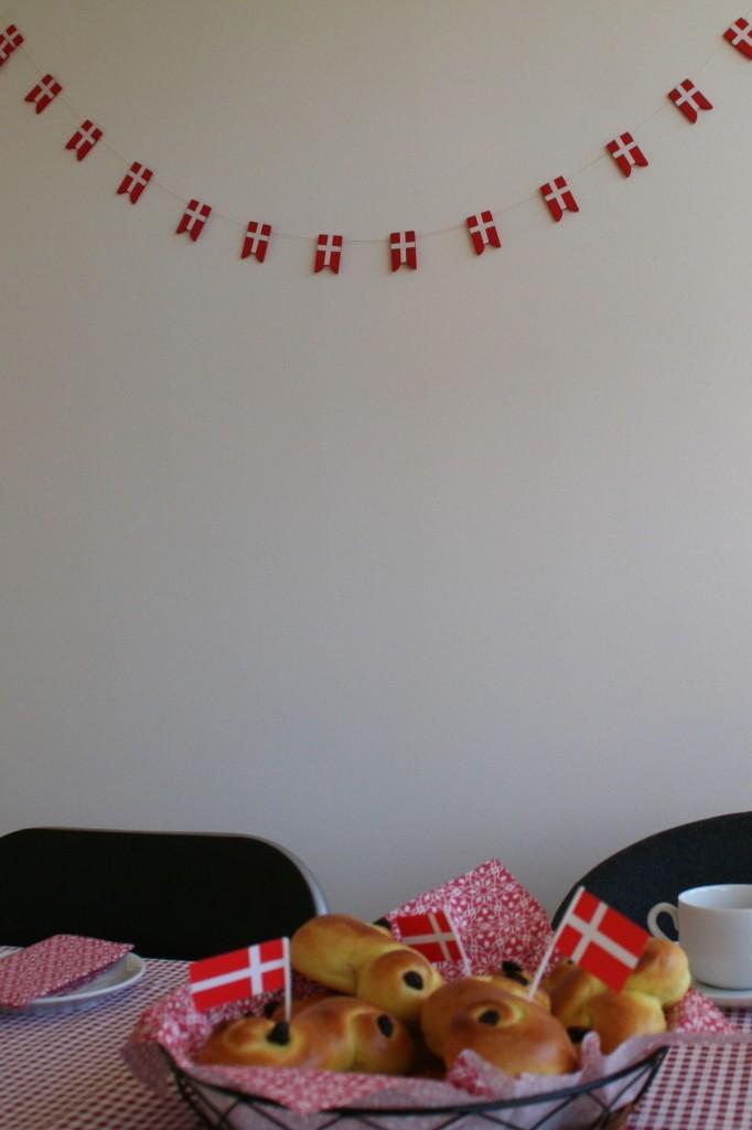 En rund, propmæt og hjerteopvarmet fødselsdagsnisse