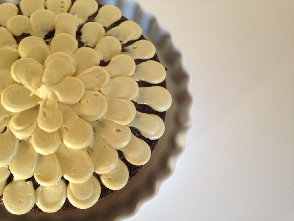 Louises chokoladekage med pistaciefrosting