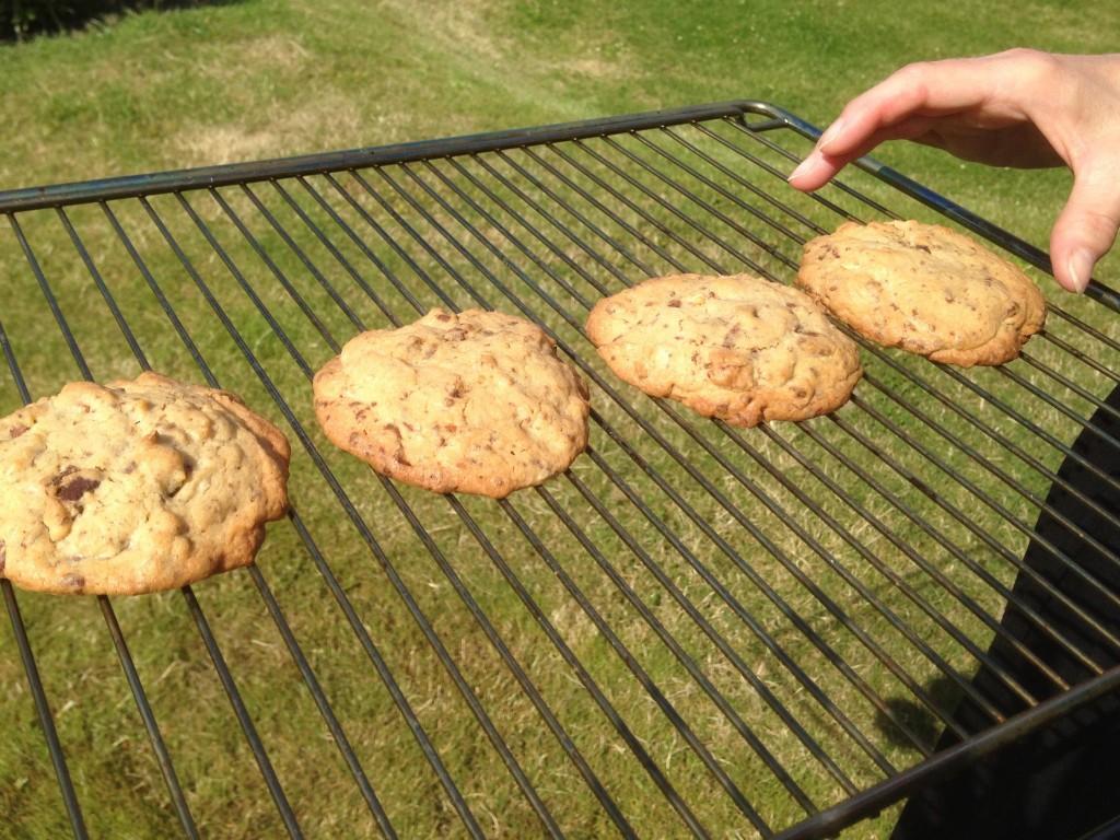 Cookies med chokolade og saltede mandler