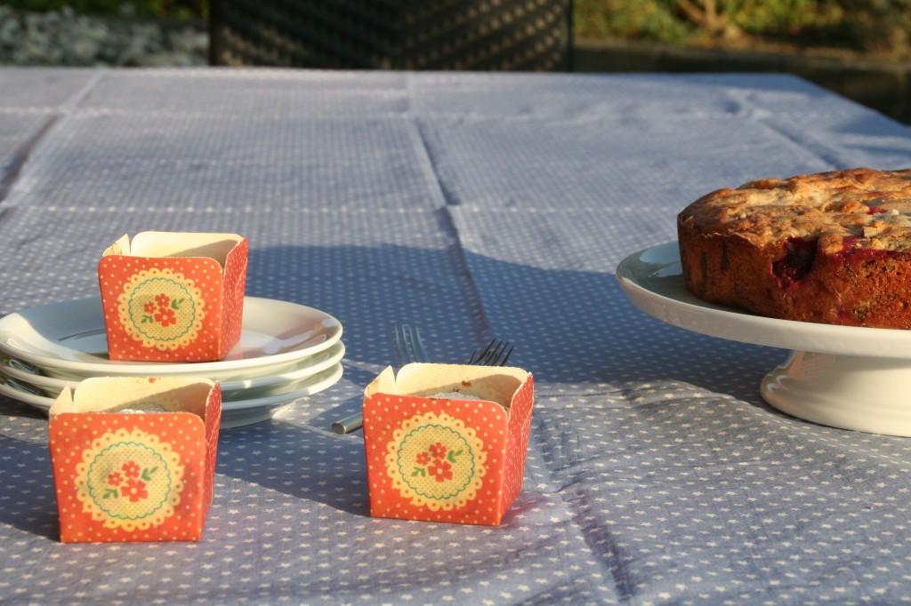 Mazarinkage med røde sommerbær