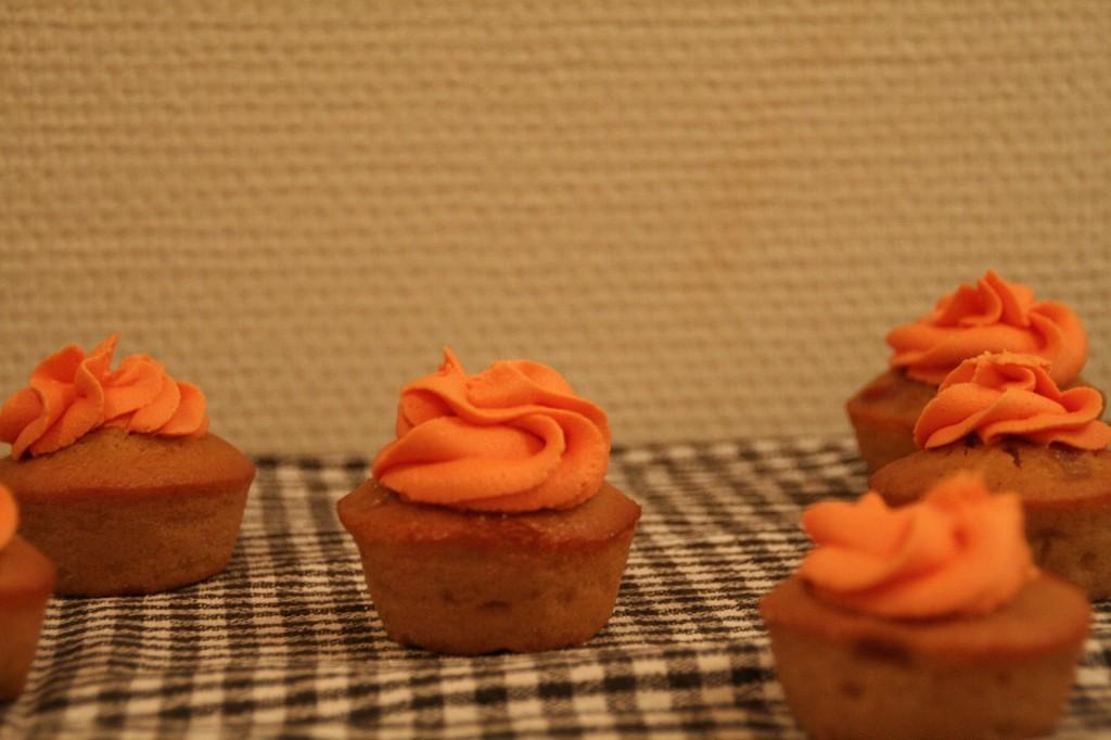 Karamelmuffins med æble